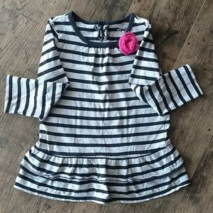 Carter's toddler girl's gray striped shirt, size 4